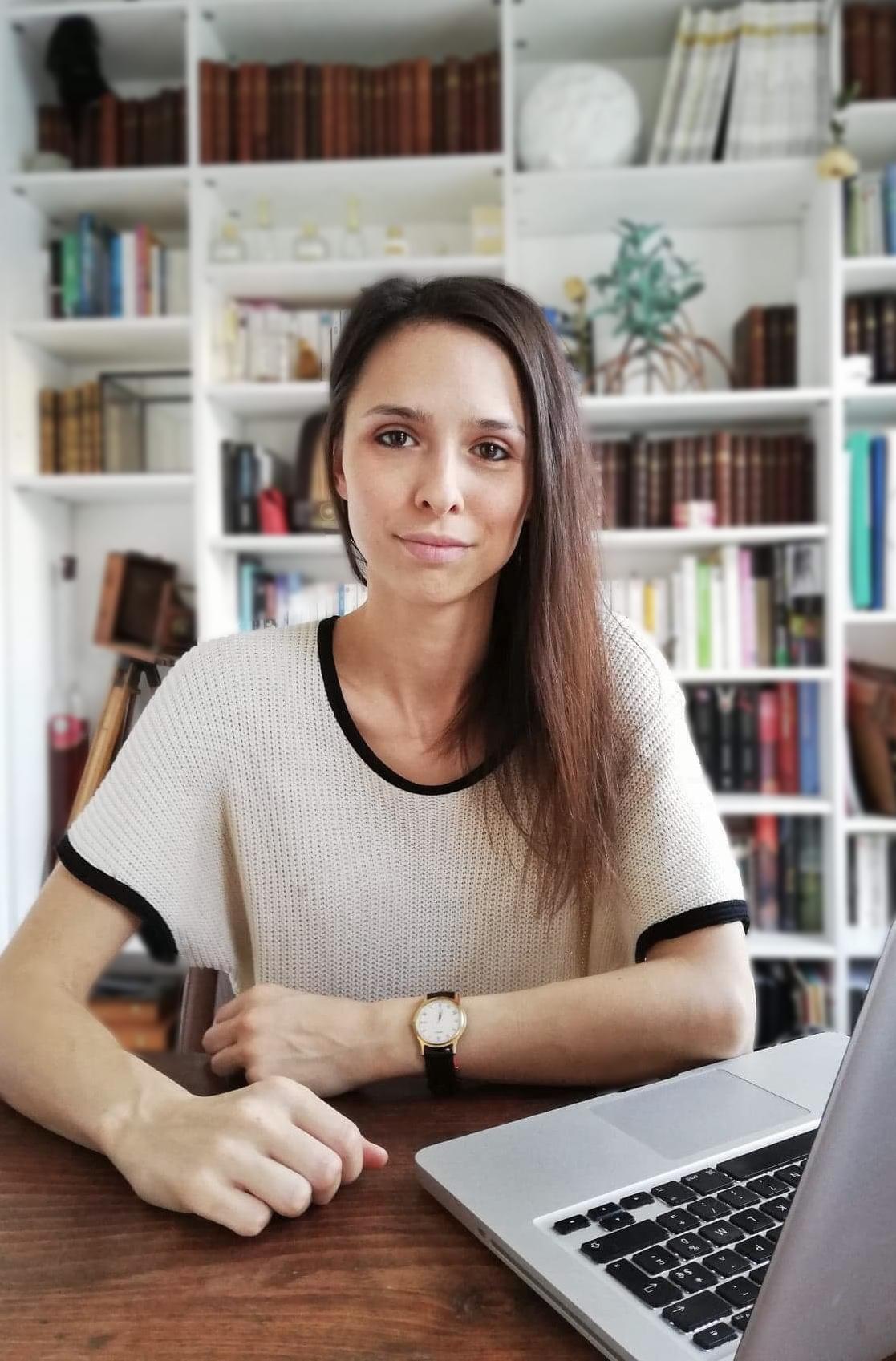 Raphaelle-Gayon-concepteur-redacteur-web-a-Paris-pour-les-entreprises